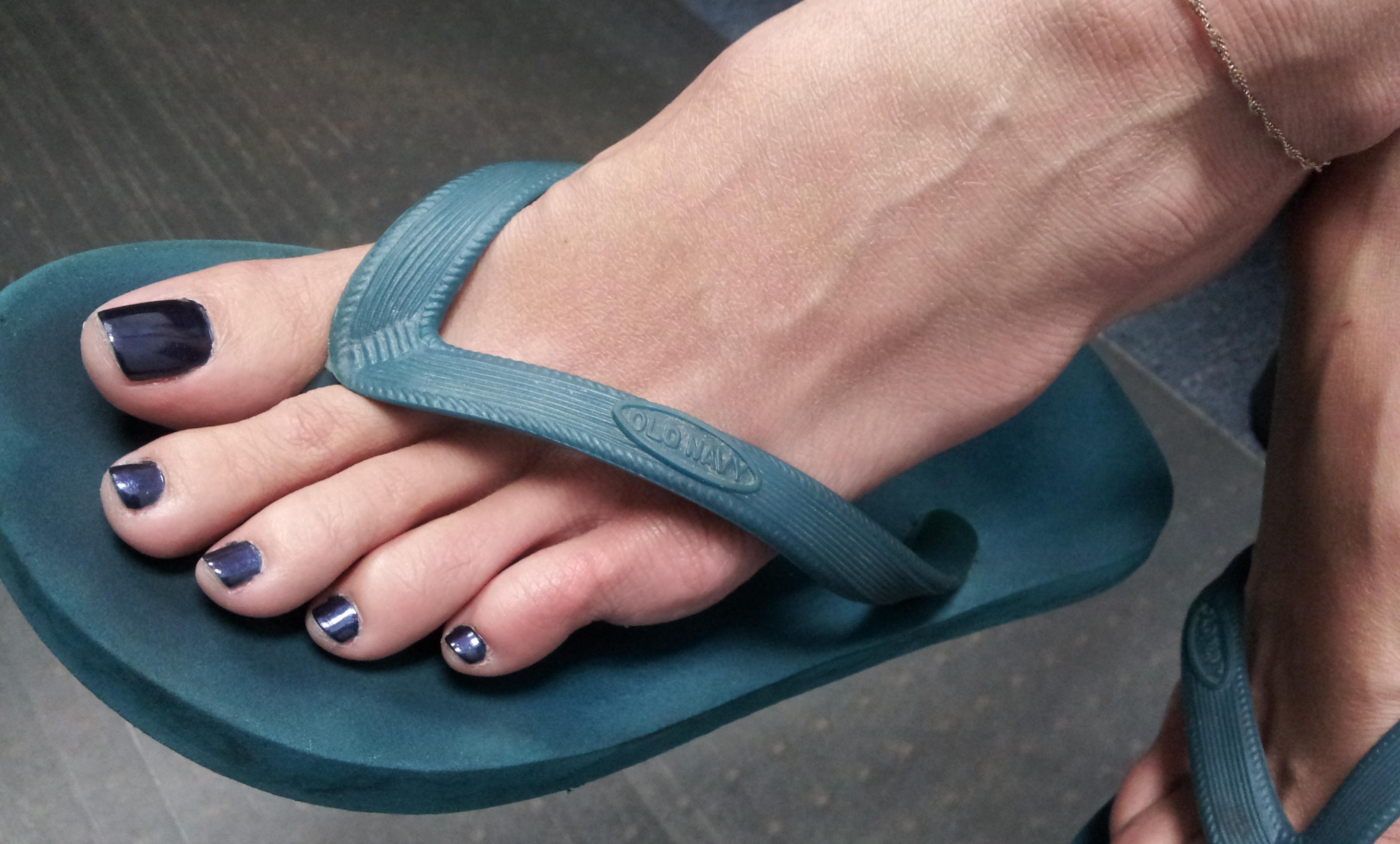 Feet flip flops fetish
